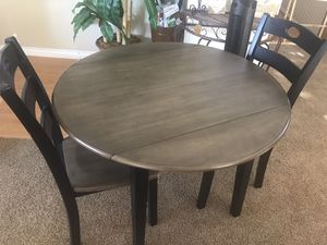 Very small Kitchen table for Sale in Chino Hills, CA