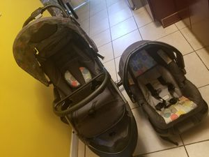 Car seat and stroller for Sale in Tampa, FL