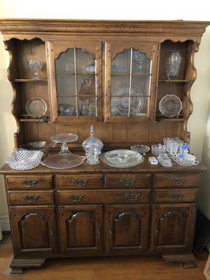 China Hutch/Cabinet (Temple Stuart) for Sale in Boonsboro, MD