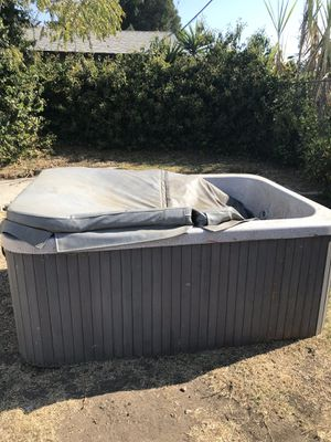 Hot Tub for sale for Sale in Los Angeles, CA