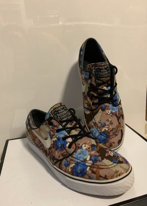 Men's Nike Janowski floral -used sz 12 for Sale in Peachtree Corners, GA