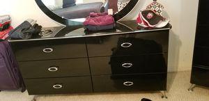 5 piece bedroom set. Black for Sale in La Vergne, TN