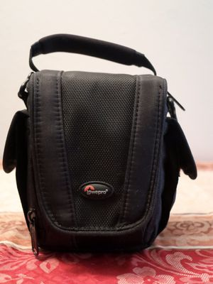 Lowpro Edit 100 Digital Camera Bag with storage space for Sale in Albuquerque, NM