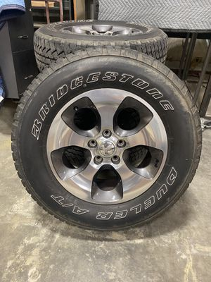 "2017 Jeep Wrangler Sahara 18"" Wheels w/Tires for Sale in Aloma, FL"