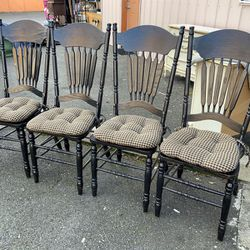 Set Of Four Black Dining Chairs - Delivery Available for Sale in Tacoma,  WA