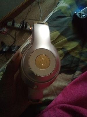 Beats Studio gold wireless for Sale in Belleville, MI