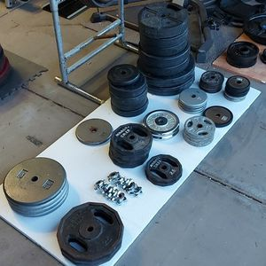 Weight Set 584.5 Lbs With bars for Sale in Mesa, AZ