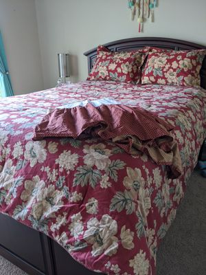 Queen CHAPS Comforter Set for Sale in Greer, SC