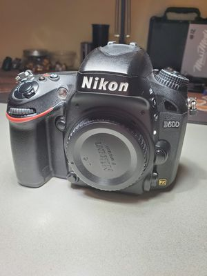Nikon d600 BODY ONLY for Sale in Vancouver, WA