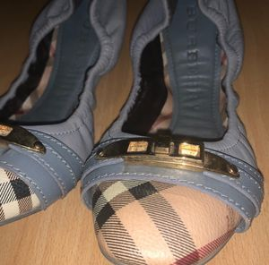 Burberry flat shoes for Sale in Los Angeles, CA