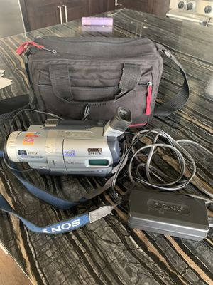 Sony Handycam DCR-TRV320 for Sale in Morrison, CO