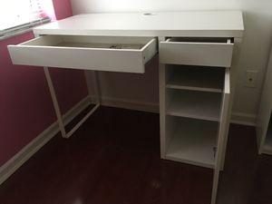 Ikea desk for Sale in Weston, FL
