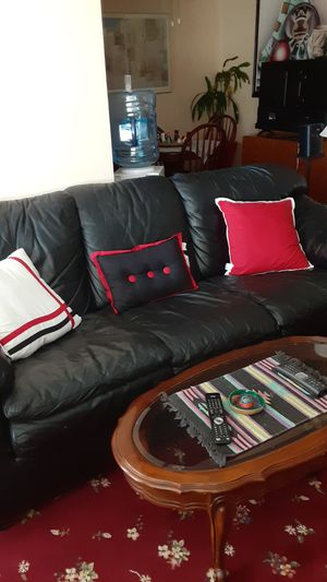 BLACK LEATHER COUCH for Sale in Mountain View, CA