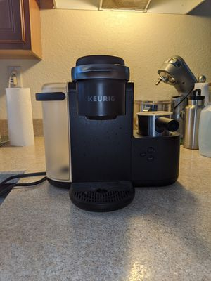 Keurig coffee and espresso machine for Sale in Bartow, FL