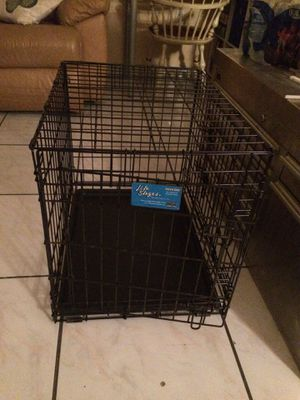 """Lifestages Small Double Door Crate 24"""" for Sale in Miami, FL"""