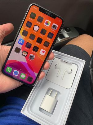 IPhone xs max 256GB unlocked for Sale in Sacramento, CA