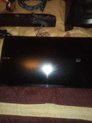 SONY BLU-RAY 3D WITH HOME TEATHER SYSTEM WITH CABLES. for Sale in Ruskin, FL