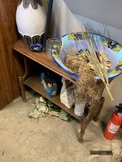 Wooden Stand for Sale in Camas,  WA