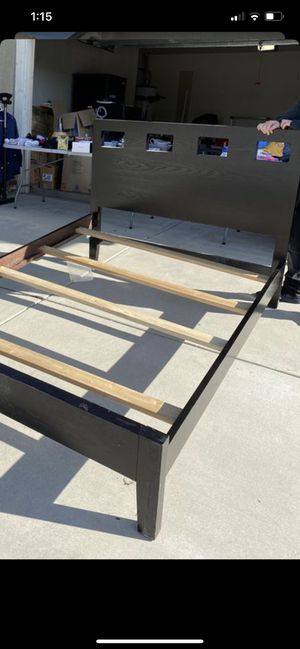 Full size bed frame for Sale in Rancho Cucamonga, CA
