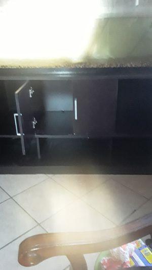 Fish tank cabinet for Sale in Di Giorgio, CA