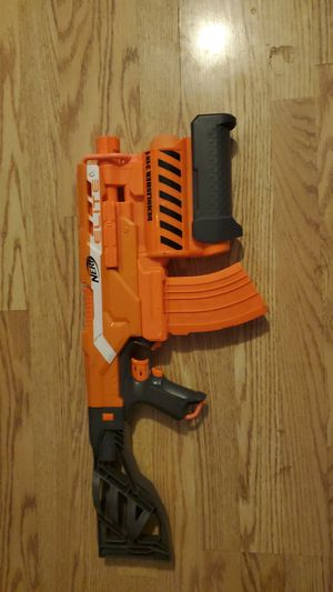 Nerf elite demolisher gun 2 in 1 comes with darts for Sale in Morris, IL