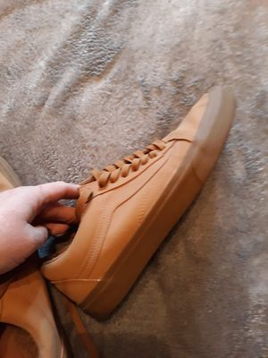 Brand new leather Van's mens size 10.5 for Sale in Puyallup, WA