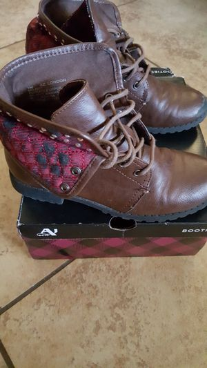 boots arizona girls size#1 for Sale in Las Vegas, NV