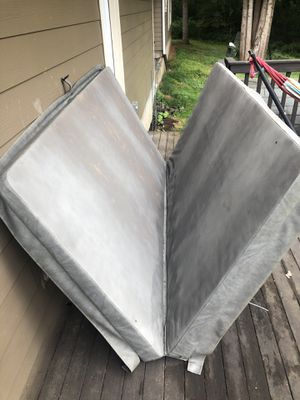 """7'-3"""" x 7'3"""" hot tub cover for Sale in Chehalis, WA"""