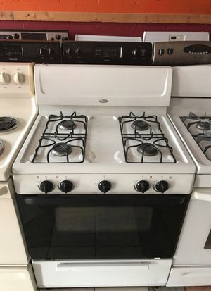 Whirlpool gas stove for Sale in Dearborn, MI