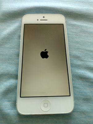 White iPhone 5 32GB unlocked excellent shape for Sale in North Miami Beach, FL