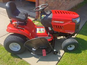Troybilt 46-inch Hydro Riding Lawn Mower / Tractor for Sale in Nottingham, MD