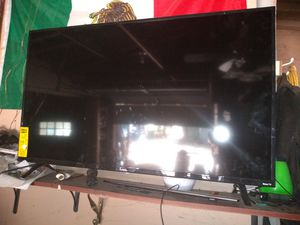 Ruku tv with control for Sale in Forest Park, GA