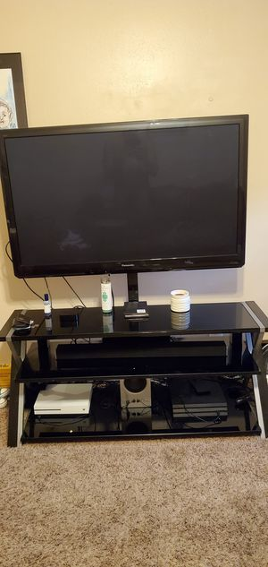 55 inch Smart 3D TV with 3 in 1 stand for Sale in Hazelwood, MO