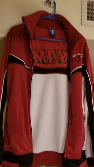 Like new miami heat jacket for Sale in Fort Lauderdale, FL