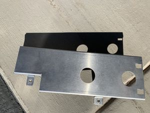 BMW 3 series convertible top motor cover for Sale in Payson, AZ