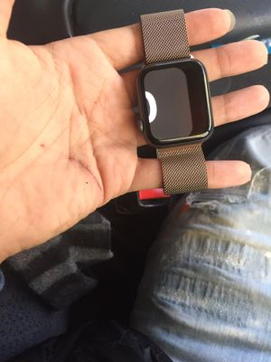 Rose gold Apple Watch need gone asap for Sale in Saint Paul, MN