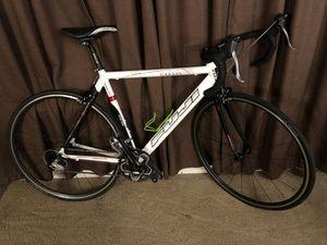 Fuji Roubaix Pro Bike with shimano 105 groupset for Sale in Tacoma, WA