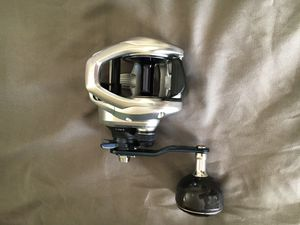 Shimano tranx 401HG lefty fishing reel for Sale in San Diego, CA