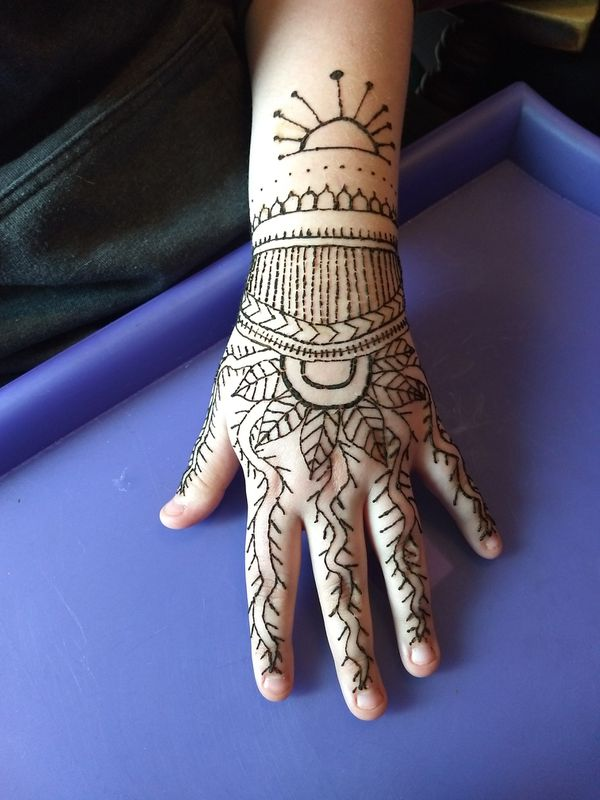 Henna tattoos-cheaper than anywhere