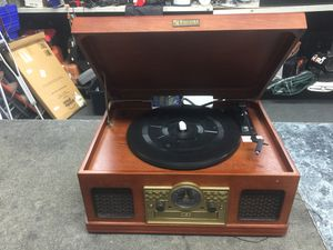 Encore vintage cd/record/ cassette / radio for Sale in Silver Spring, MD