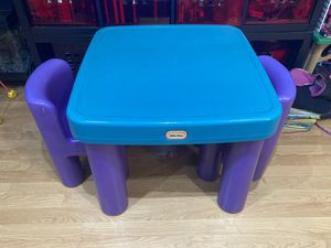 Little Tikes kids table with storage and 2 chairs, used indoors for Sale in Wheeling, IL