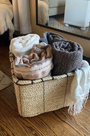Pottery barn throw blanket bin for Sale in Hayward, CA