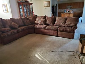 Sectional couches for Sale in Delano, CA