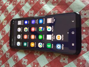 Samsung Galaxy S8 unlocked 64 GB for Sale in Raleigh, NC