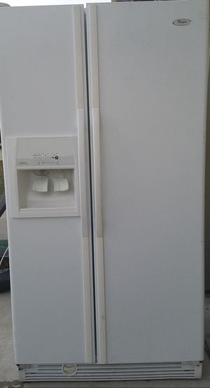 FREE ::: Refrigerator - freezer section works for Sale in Cedar Park, TX
