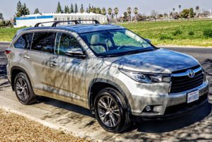 2016 Toyota Highlander XLE AWD for Sale in Clovis, CA
