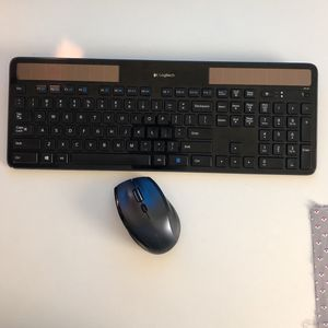 Logitech Wireless Solar Keyboard K750 and mouse M705 for Sale in North Port, FL
