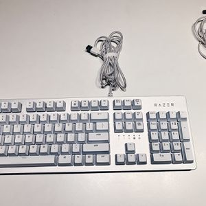 Razer Mercury White RGB keyboard And Deathadder Essential Mouse 9.9/10 Excellent Condition for Sale in Mount Laurel Township, NJ