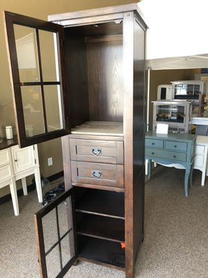 Beautiful cabinet for Sale in Temecula, CA