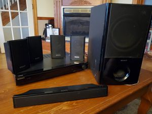 Sony surround sound...if the asking price is too much let me know we can haggle a bit for Sale in Waynesboro, PA